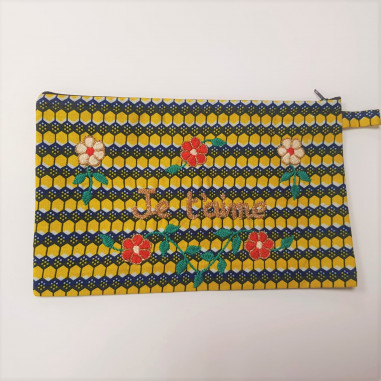 JE T'AIME embroidered clutch