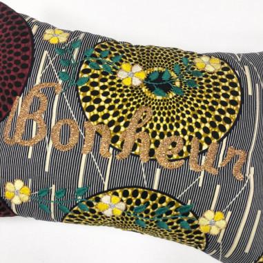 Embroidered wax cushion BONHEUR