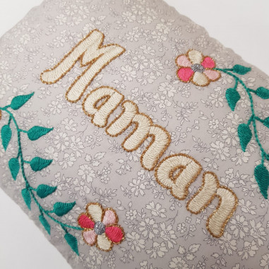 Embroidered cushion MAMAN