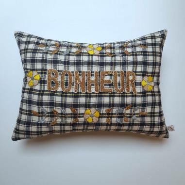 cEmbroidered cushion BONHEUR