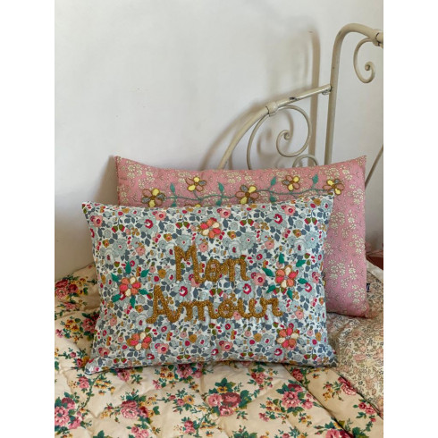 Embroidered cushion Mon Amour
